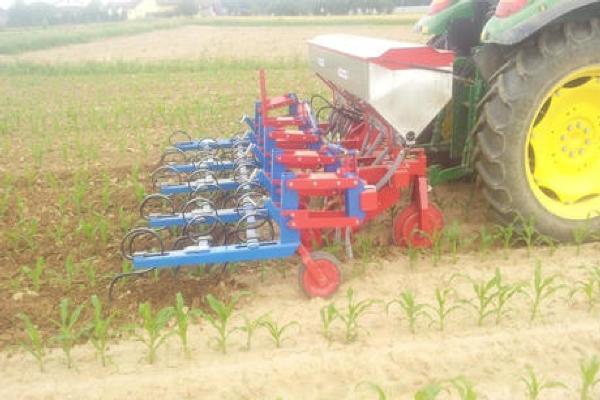 Sodobna kmetijska mehanizacija