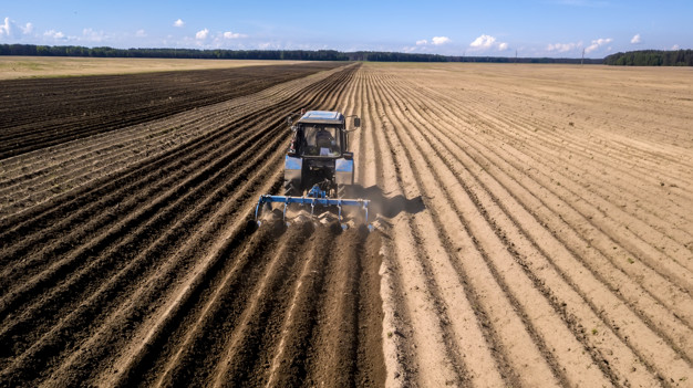 Vrhunska oprema za nemoteno delo na kmetiji