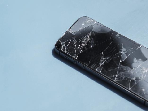 Popravilo telefonov v primeru razbitega ekrana
